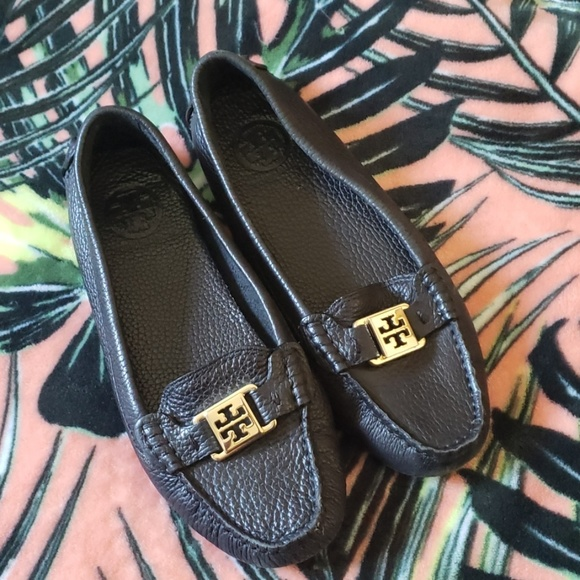 Tory Burch Shoes - TORY BURCH Blaxk Leather Loafers Size 7 1/2
